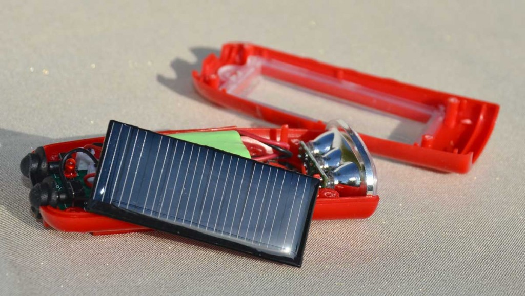 Solar Bike Light Red Open